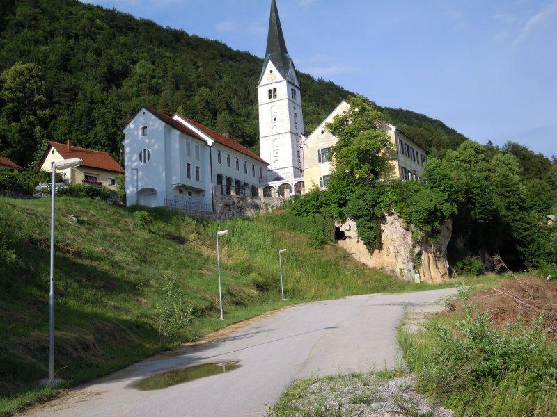 A-Cerkev-prireditveni-prostor